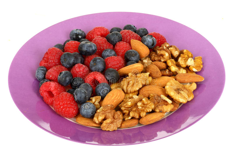 Berry & Nuts Diet for Perfect Body